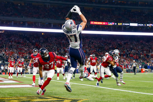 De retour au jeu, Rob Gronkowski (87) a... (Photo Kevin Jairaj, USA Today)