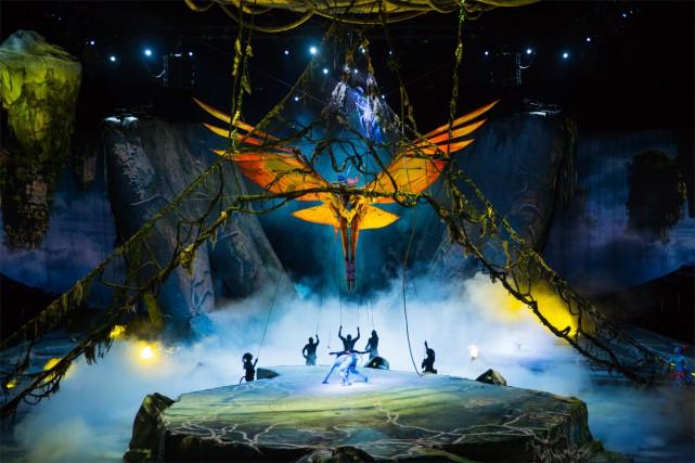 Toruk met en scène trois jeunes Na'vis (Ralu,... (PHOTO ERRICSSON LAWRENCE PHOTOGRAPHY, FOURNIE PAR LE CIRQUE DU SOLEIL)
