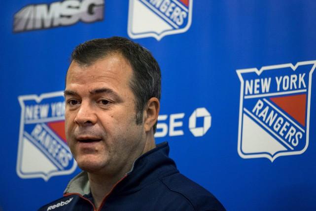 L'entraîneur-chef des Rangers de New York Alain Vigneault... (Associated Press)