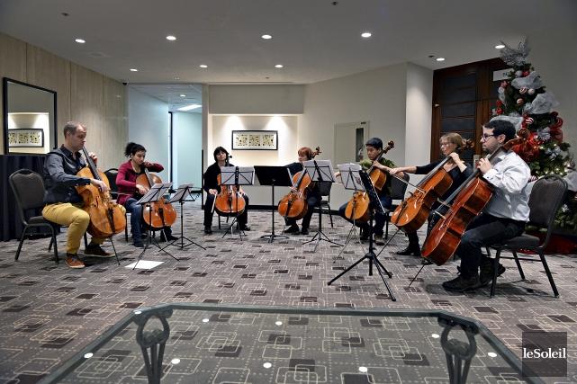 Les musiciens en lock-outde l'Orchestre symphonique de Québec... (Le Soleil, Patrice Laroche)