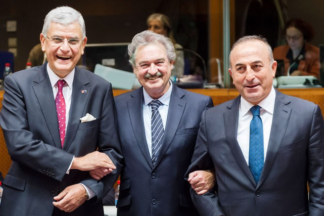 Le ministre turc aux Affaires européennes, Volkan Bozkir... (AP, Geert Vanden Wijngaert)