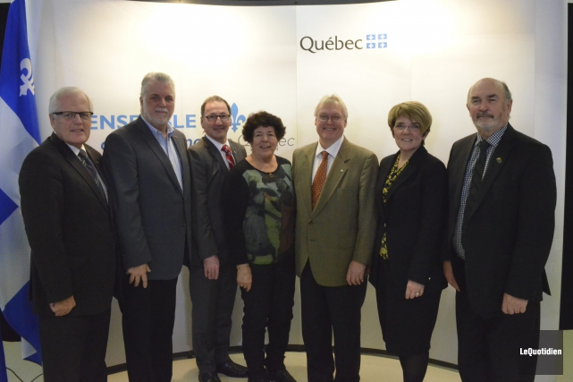 Serge Simard, Philippe Couillard, Richard Hébert, France Guay,... (Photo Le Quotidien, Louis Potvin)