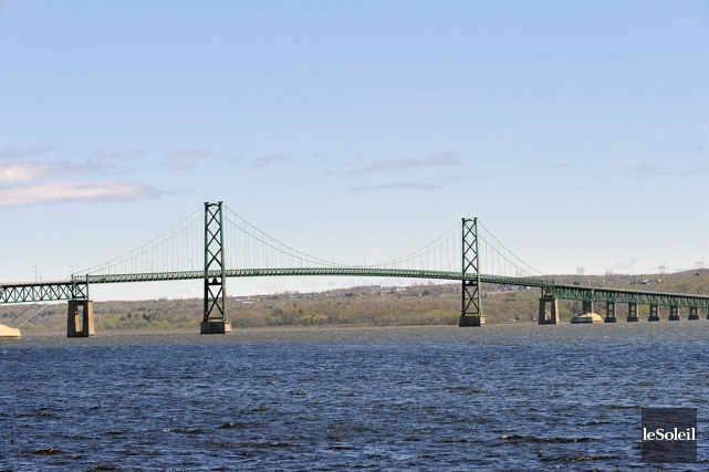 Pour construire le nouveau pont reliant l'île d'Orléans... (Photothèque Le Soleil, Pascal Ratthé)