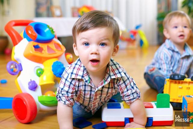 Chez les 18 mois à 5 ans, les... (123RF/Olesia Bilkei)
