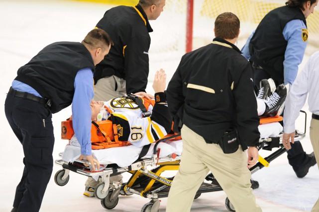 Comme plusieurs autres athlètes, Marc Savard, des Bruins... (Photo d'archives Associated Press)