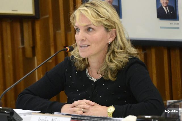 La conseillère municipale Julie Dufour.... (Photo Le Quotidien, Jeannot Lévesque)