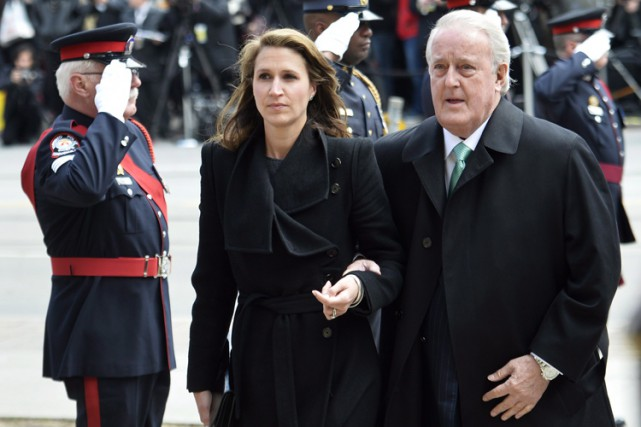 Caroline Mulroney Lapham et son père Brian Mulroney... (PHOTO PC)