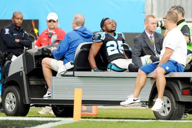 Les Panthers ont perdu les services du demi... (AP, Mike McCarn)