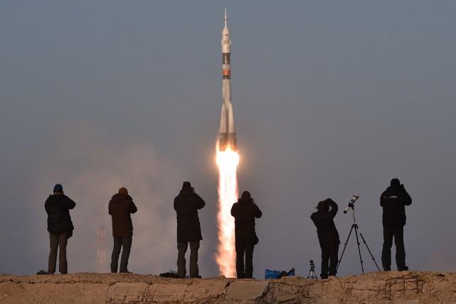 Le vaisseau Soyouz TMA-19M a décollé de Baïkonour... (PHOTO KIRILL KUDRYAVTSEV, AGENCE FRANCE-PRESSE)