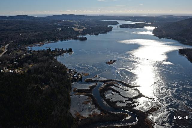 Le lac Saint-Charles... (Le Soleil, Patrice Laroche)