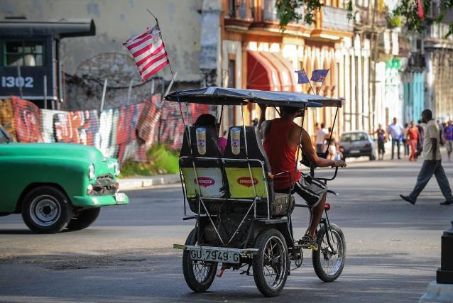 Plusieurs observateurs craignent que les particularités de Cuba... (PHOTO YAMIL LAGE, ARCHIVES AGENCE FRANCE-PRESSE)