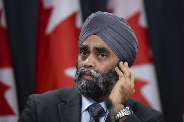 Le ministre Sajjan a appris à la dure:... (Photo La Presse Canadienne)