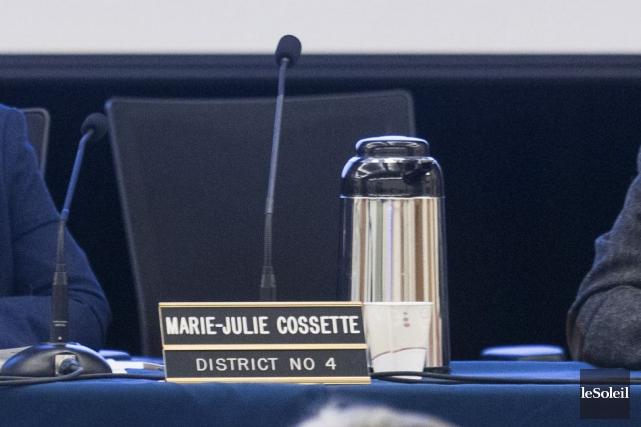 Élue en 2005, Marie-Julie Cossette était critiquée par... (Le Soleil, Caroline Grégoire)