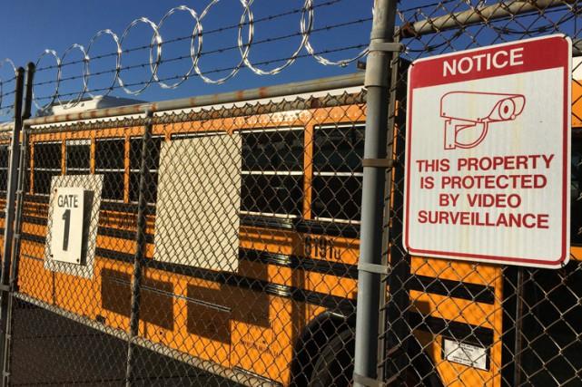 Les écoles de Los Angeles vont rouvrir mercredi après des menaces qui ont privé... (PHOTO AP)