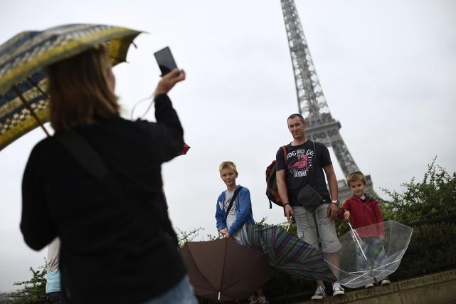 Le nombre de touristes ayant visité la France en 2015 a légèrement augmenté... (Agence France-Presse, Lionel Bonaventure)