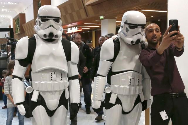 Les fans qui ont traversé l'Atlantique pour voir... (PHOTO REUTERS)