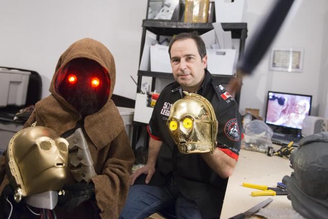 Paul et Michel Perrot, amateurs de Star Wars.... (SPECTRE MÉDIA, JULIEN CHAMBERLAND)