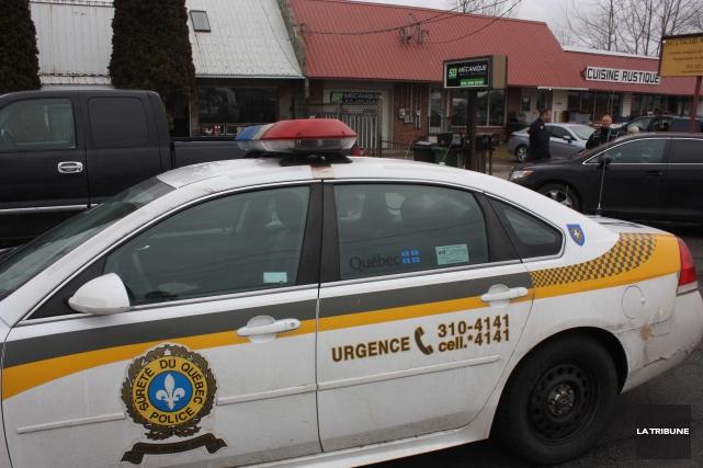 Les policiers avaient 12 suspects sur sa liste quand elle a frappé à... (La Tribune, Yanick Poisson)