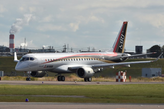 Le Mitsubishi Regional Jet (MRJ), aéronef de près... (PHOTO KAZUHIRO NOGI, AGENCE FRANCE-PRESSE)
