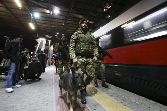 Face à la menace terroriste, les chemins de fer français expérimentent de... (PHOTO REUTERS)