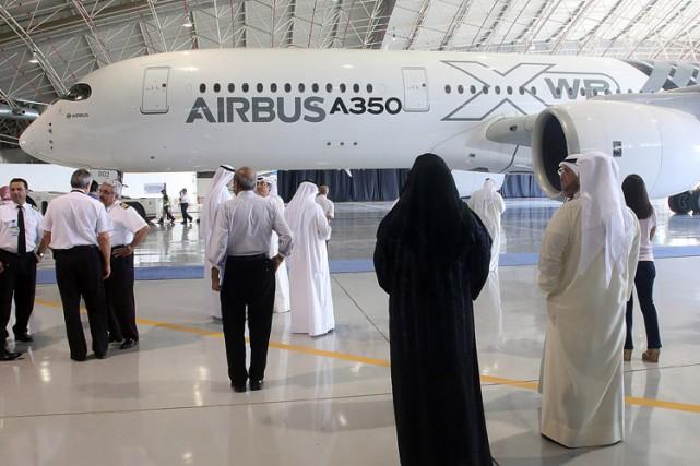 Un Airbus A350-900 XWB est présenté à des... (PHOTO AFP)