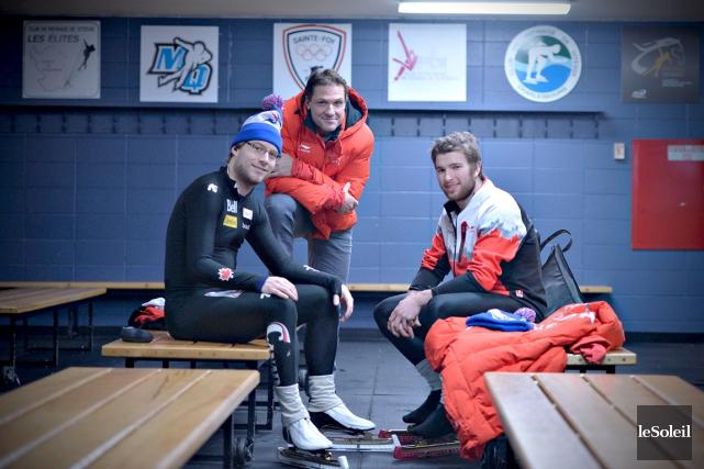 L'entraîneur Gregor Jelonek, au centre, était de retour... (Le Soleil, Pascal Ratthé)