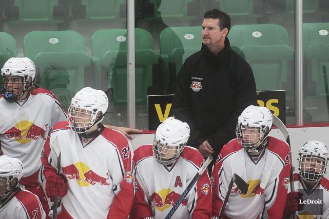 L'ancien du Canadien de Montréal Brian Savage est... (Etienne Ranger, LeDroit)