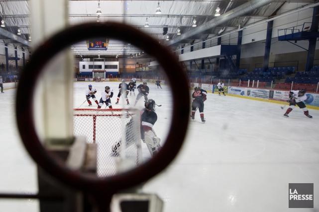 L'interdiction des mises en échec chez les joueurs... (Photo Edouard Plante-Fréchette, archives La Presse)