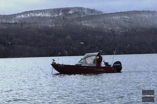 Alors que la saison de pêche estivale a... (La Tribune, Luc Larochelle)