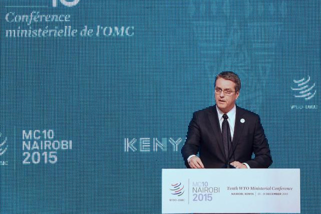 Le directeur général de l'OMC Roberto Azevedo s'est... (PHOTO TONY KARUMBA, AFP)