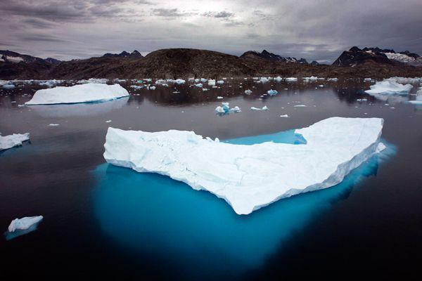 La calotte glaciaire du Groenland a fondu deux... (Photo d'archives AP)