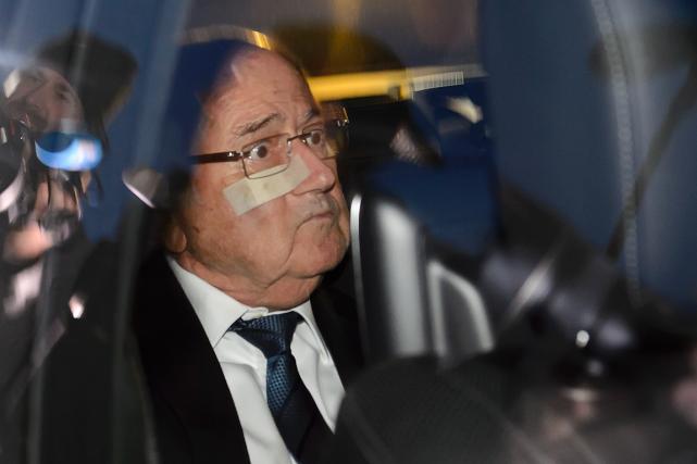 Joseph Blatter a quitté le quartier général de... (Photo Fabrice Coffrini, AFP)