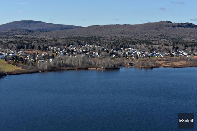 Le moratoire vise la protection du lac Saint-Charles.... (Le Soleil, Patrice Laroche)