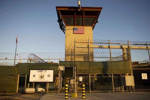 Une fois le transfert des 17 prisonniers effectué,... (PHOTO JIM WATSON, ARCHIVES AFP)