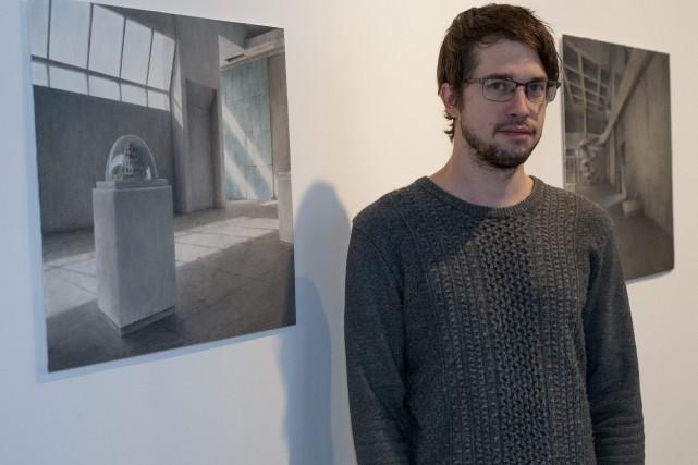 Mathieu Gagnon aime le style brutaliste, malgré tout... (Photo Le Progrès-Dimanche, Michel Tremblay)