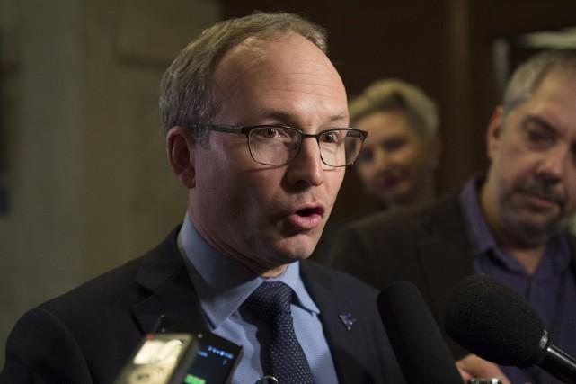 Le président du Conseil du trésor, Martin Coiteux... (Jacques Boissinot, La Presse Canadienne)