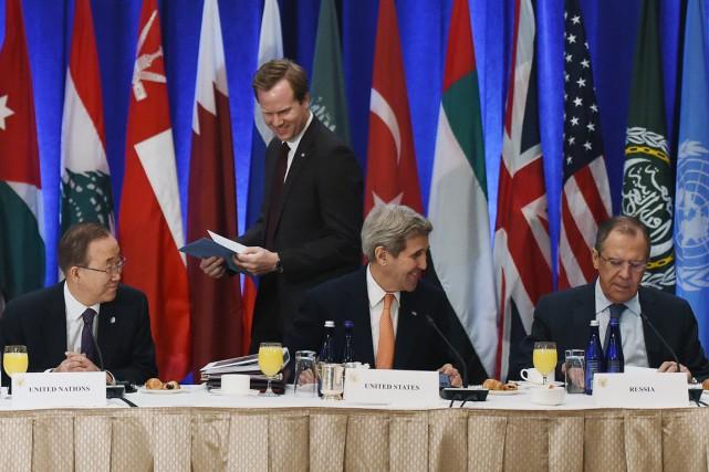 Le secrétaire général de l'ONU Ban Ki-moon (à... (PHOTO JEWEL SAMAD, AFP)