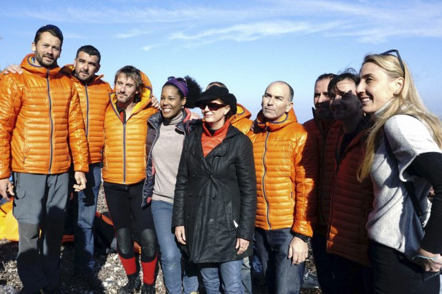 Susan Sarandon (au centre) pose avec l'équipe de... (PHOTO AFP)