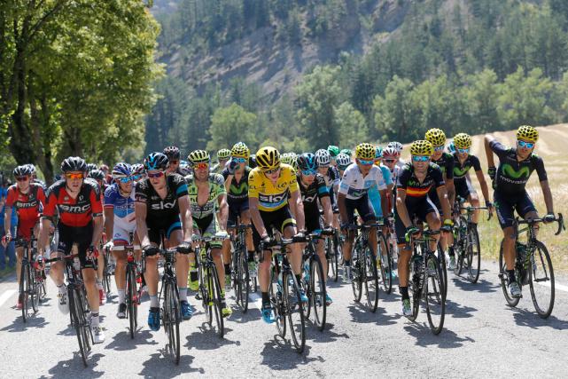Le Tour de France et d'autres épreuves importantes ont décidé de se retirer du... (Photo Christophe Ena, AP)