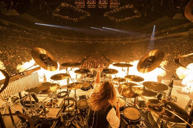 Une allure de rock star à la John Bonham (Led Zeppelin), la chevelure longue... (Courtoisie Jason McEachern)