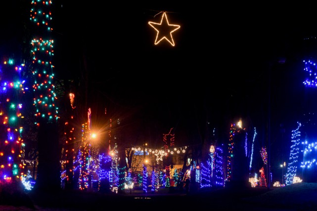 Les Jardins illuminés ont déjà attiré 4000 personnes... (François Gervais)