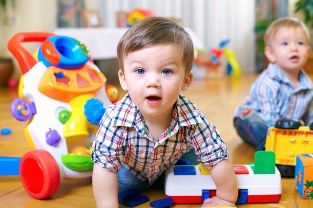 L'Association québécoise des centres de la petite enfance... (123RF/Olesia Bilkei)