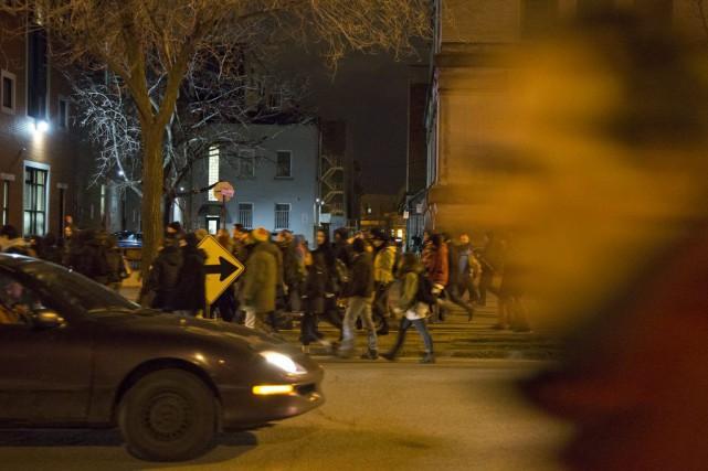 Au moins neuf manifestants ont été arrêtés par... (PHOTO FÉLIX O.J. FOURNIER, COLLABORATION SPECIALE)