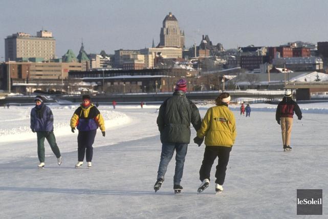Le patinage sur la rivière Saint-Charles a été... (Archives Le Soleil, Jean-Marie Villeneuve)