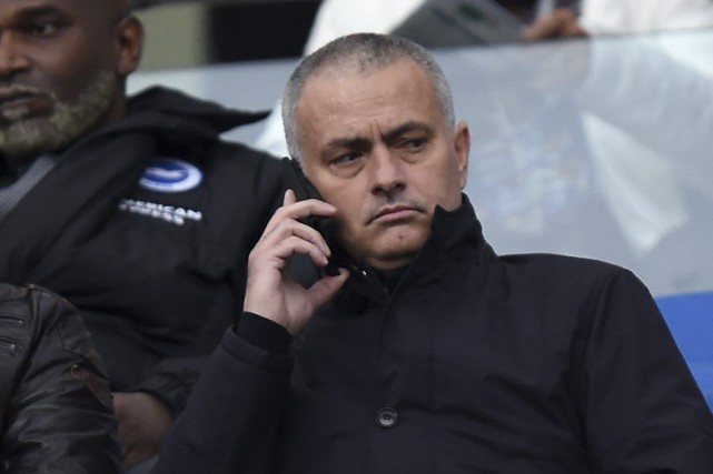 Jose Mourinho assistait au match entre Brighton et Middlesbrough,... (PHOTO ANDREW MATTHEWS, AP)