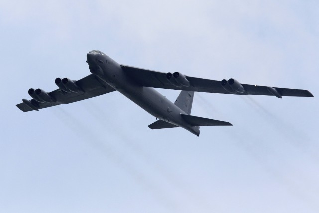 Lors d'une mission de deux B-52 la semaine... (PHOTO TIM CHONG, ARCHIVES REUTERS)