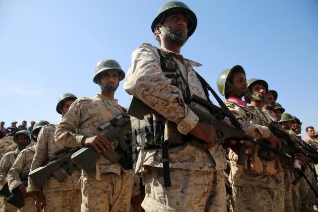 Les troupes fidèles au président Abd Rabbo Mansour... (PHOTO ABDULLAH AL-QADRY, AGENCE FRANCE-PRESSE)