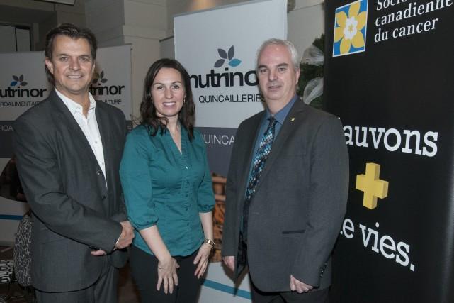 Yves Girard, directeur général de Nutrinor, Meggie Gonthier,... (Photo Le Progrès-Dimanche, Michel Tremblay)