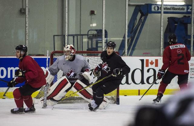 Équipe Canada junior lors d'un entraînement préparatoire au... (PHOTO ARCHIVES LA PRESSE CANADIENNE)