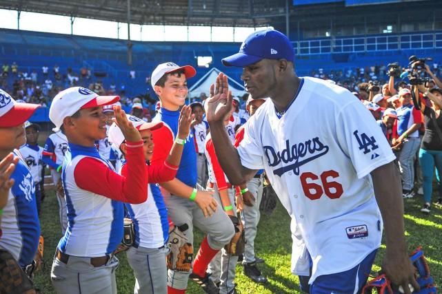 Yasiel Puig (Dodgers de Los Angeles) rencontre de... (AFP, Yamil Lage)